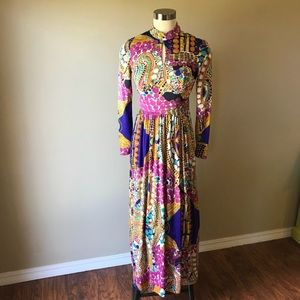 Vintage 1970s Long Sleeve Bold Print Maxi Dress